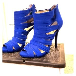 NWT Royal Blue Strappy Style Heels BCBGeneration